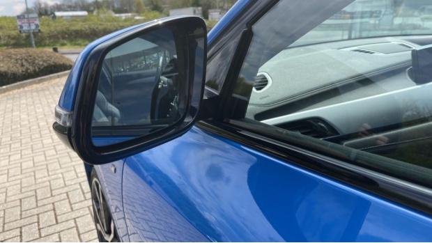 2019 BMW XDrive20d M Sport (Blue) - Image: 32