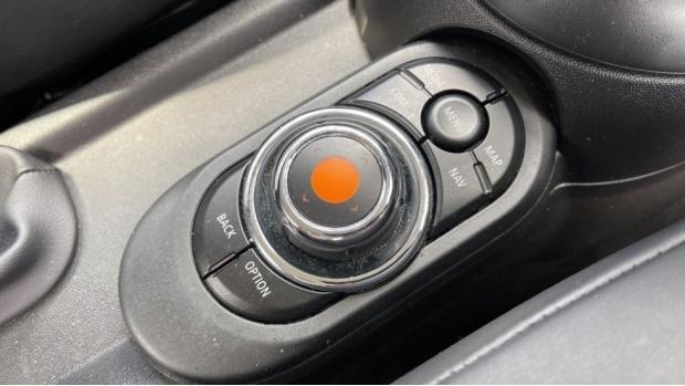 2018 MINI 3-door Cooper D (Grey) - Image: 19