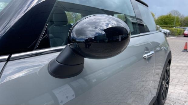 2018 MINI 3-door Cooper D (Grey) - Image: 30