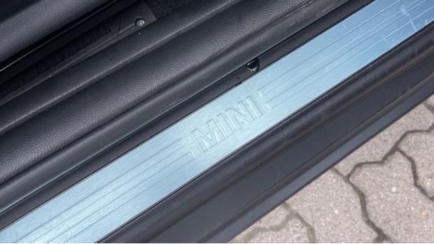 2018 MINI 3-door Cooper D (Grey) - Image: 36