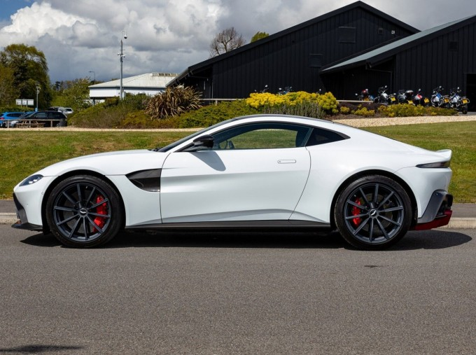 2019 Aston Martin Coupe (White) - Image: 4