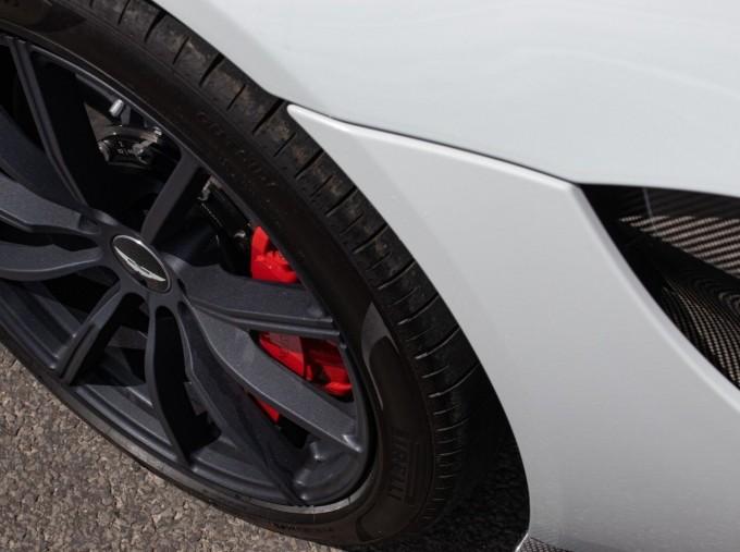 2019 Aston Martin Coupe (White) - Image: 33
