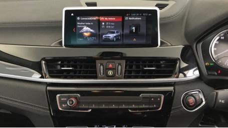 2020 BMW SDrive18i Sport (Black) - Image: 8