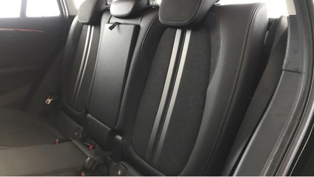 2020 BMW SDrive18i Sport (Black) - Image: 12