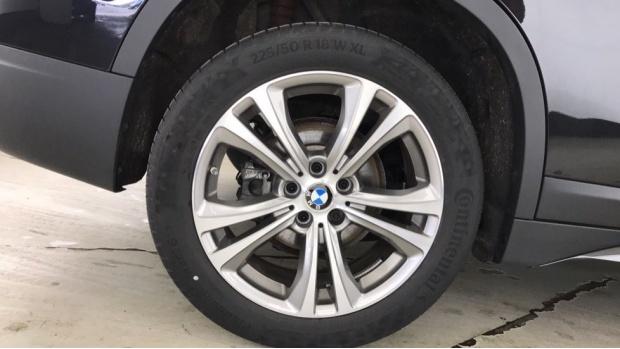 2020 BMW SDrive18i Sport (Black) - Image: 14