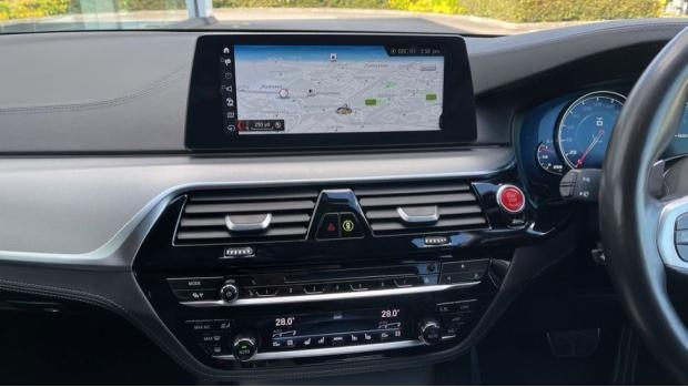 2018 BMW Saloon (White) - Image: 8
