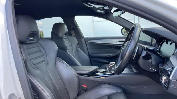 2018 BMW Saloon (White) - Image: 11