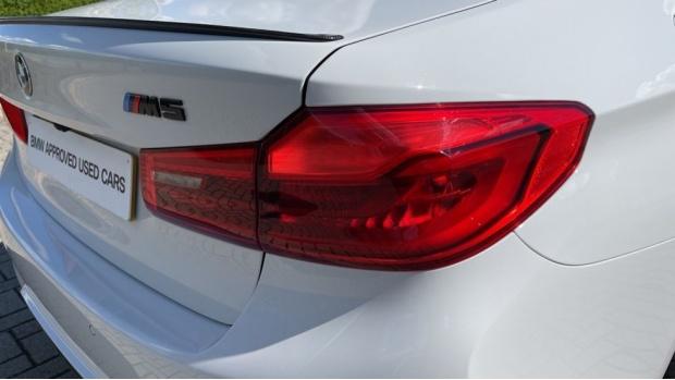 2018 BMW Saloon (White) - Image: 22