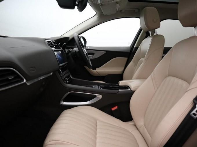 2019 Jaguar Portfolio Auto 5-door (Blue) - Image: 3