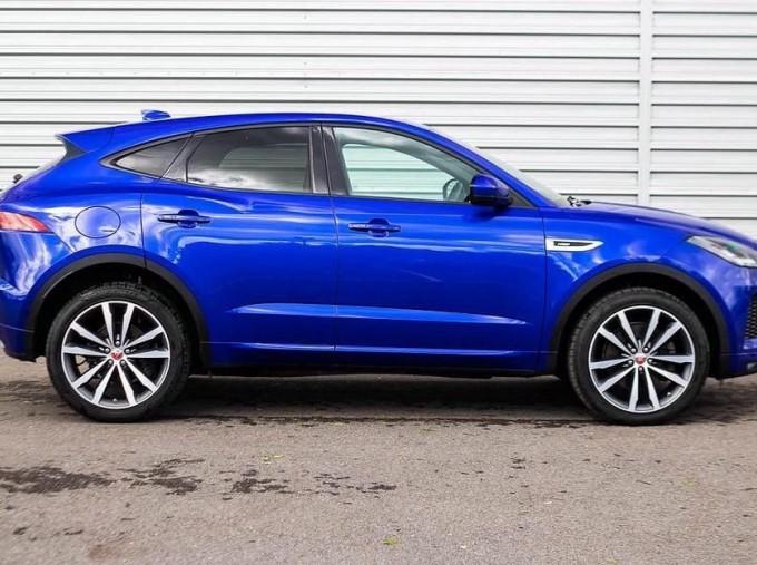 2019 Jaguar D240 R-Dynamic HSE Auto 5-door (Blue) - Image: 5