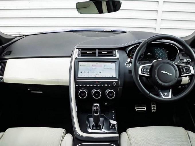 2019 Jaguar D240 R-Dynamic HSE Auto 5-door (Blue) - Image: 10