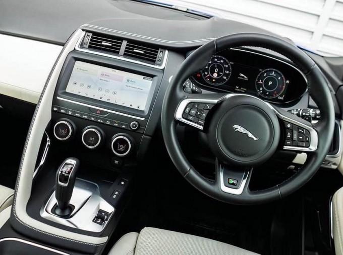 2019 Jaguar D240 R-Dynamic HSE Auto 5-door (Blue) - Image: 11
