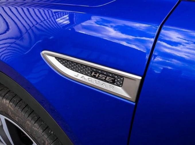 2019 Jaguar D240 R-Dynamic HSE Auto 5-door (Blue) - Image: 18