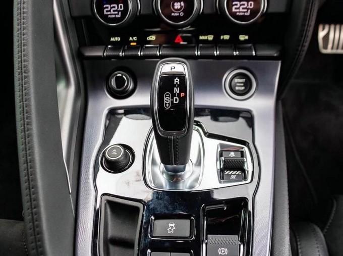 2021 Jaguar 2.0i Auto 2-door (Grey) - Image: 11