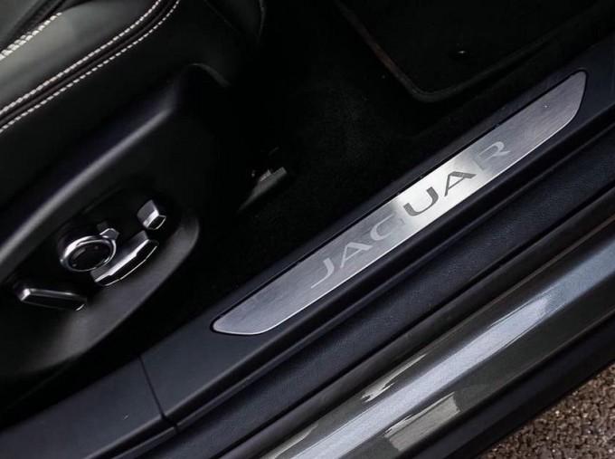 2019 Jaguar 90kWh HSE Auto 4WD 5-door (Grey) - Image: 13