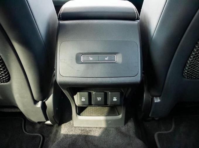 2019 Jaguar 90kWh HSE Auto 4WD 5-door (Grey) - Image: 18
