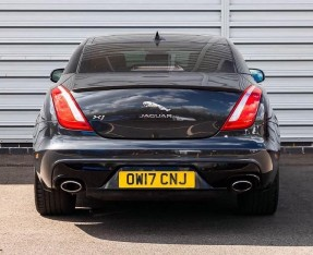 2017 Jaguar V6 R-Sport Auto 4-door (Grey) - Image: 6