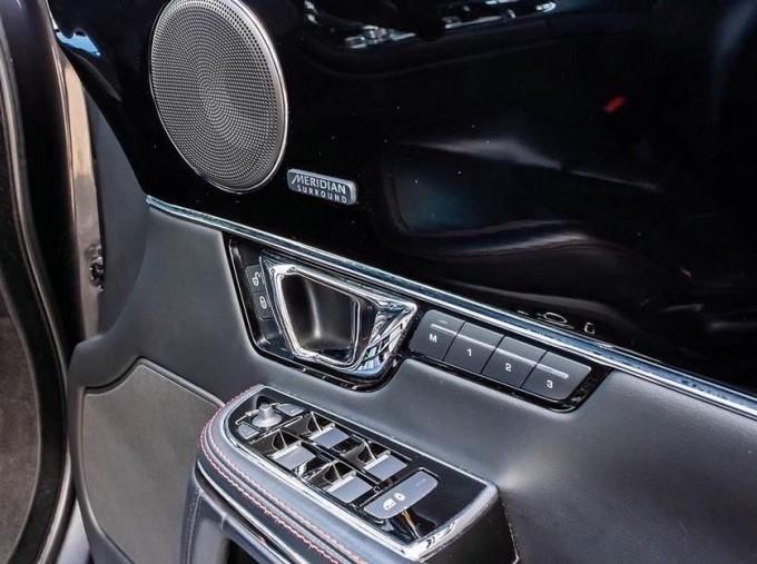2017 Jaguar V6 R-Sport Auto 4-door (Grey) - Image: 14