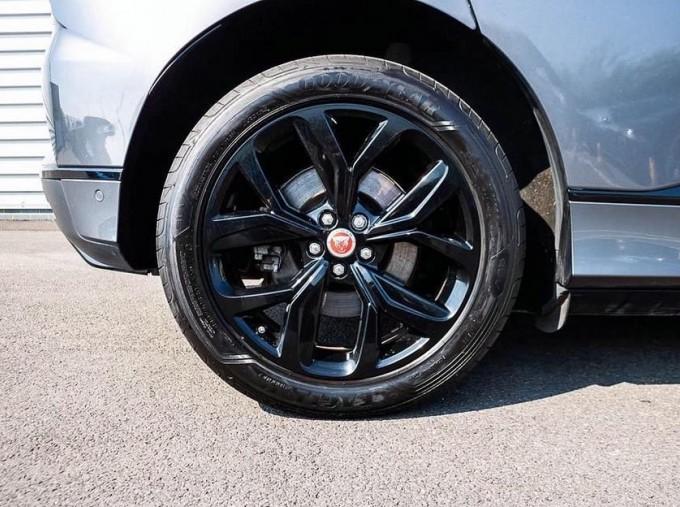 2019 Jaguar 90kWh SE Auto 4WD 5-door (Grey) - Image: 8