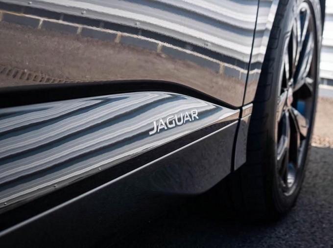 2019 Jaguar 90kWh SE Auto 4WD 5-door (Grey) - Image: 16