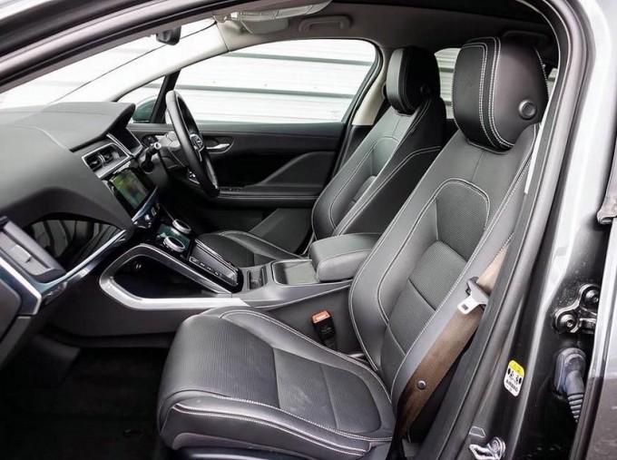 2019 Jaguar 90kWh HSE Auto 4WD 5-door (Grey) - Image: 3