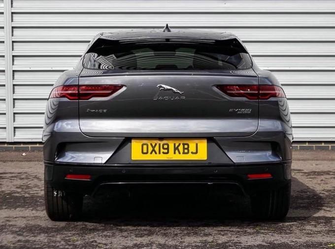 2019 Jaguar 90kWh HSE Auto 4WD 5-door (Grey) - Image: 6