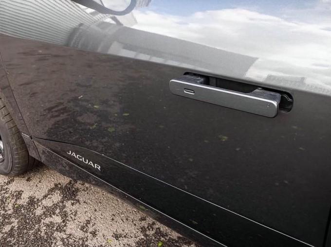 2019 Jaguar 90kWh HSE Auto 4WD 5-door (Grey) - Image: 17