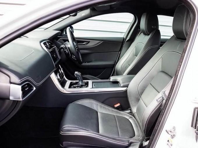 2020 Jaguar R-Dynamic S Auto 4-door (White) - Image: 3
