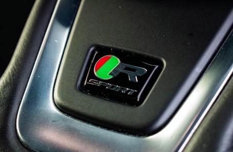 2017 Jaguar R-Sport Auto 4-door (Black) - Image: 15