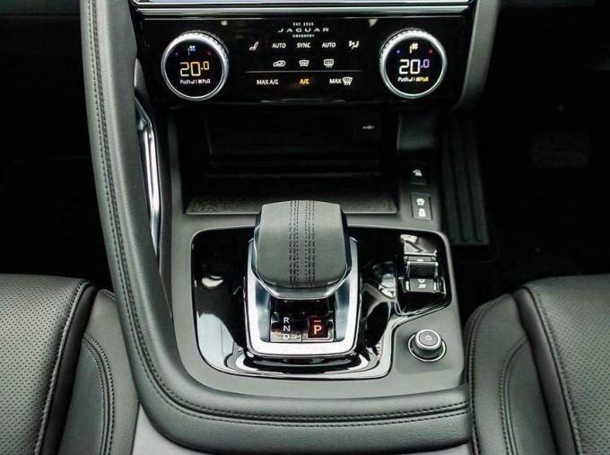 2021 Jaguar D165 MHEV S Auto 5-door (Silver) - Image: 28