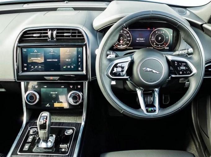 2021 Jaguar MHEV R-Dynamic HSE Auto 4-door  - Image: 10