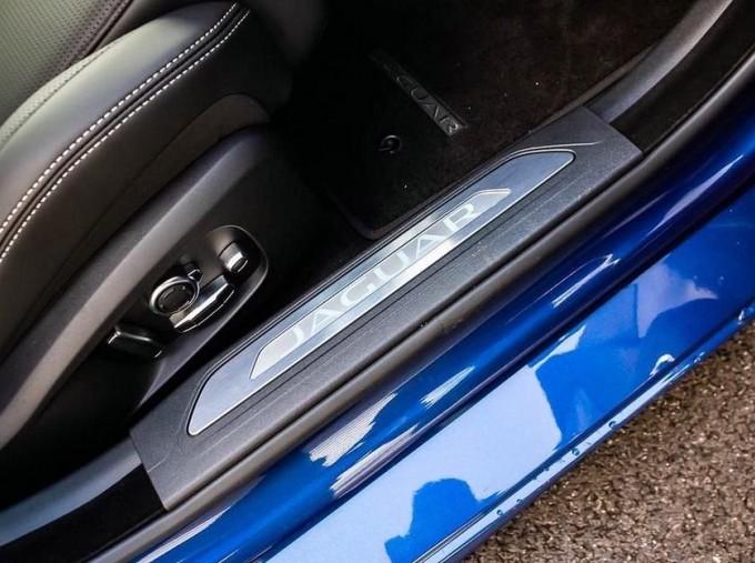 2021 Jaguar MHEV R-Dynamic HSE Auto 4-door  - Image: 14