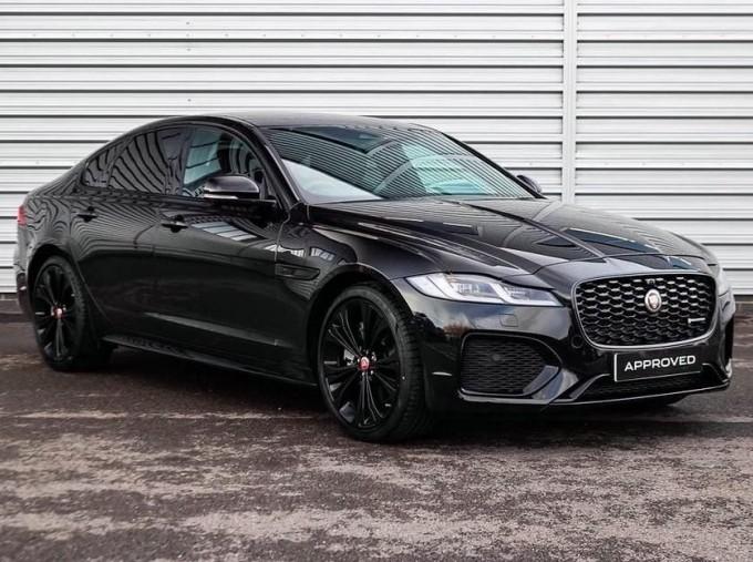 2020 Jaguar 2.0i R-Dynamic SE Auto 4-door (Black) - Image: 1