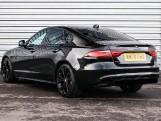 2020 Jaguar 2.0i R-Dynamic SE Auto 4-door (Black) - Image: 2