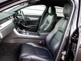 2020 Jaguar 2.0i R-Dynamic SE Auto 4-door (Black) - Image: 3