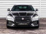 2020 Jaguar 2.0i R-Dynamic SE Auto 4-door (Black) - Image: 7