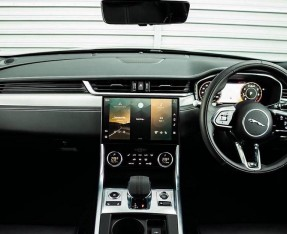 2020 Jaguar 2.0i R-Dynamic SE Auto 4-door (Black) - Image: 9