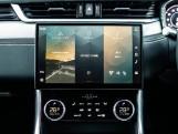 2020 Jaguar 2.0i R-Dynamic SE Auto 4-door (Black) - Image: 11