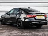2020 Jaguar 2.0i R-Dynamic SE Auto 4-door (Black) - Image: 17