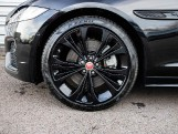 2020 Jaguar 2.0i R-Dynamic SE Auto 4-door (Black) - Image: 23