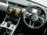 2020 Jaguar 2.0i R-Dynamic SE Auto 4-door (Black) - Image: 25