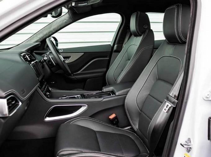 2020 Jaguar Chequered Flag Auto 5-door (White) - Image: 3