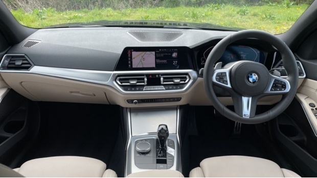 2021 BMW 320d M Sport Saloon (Black) - Image: 4