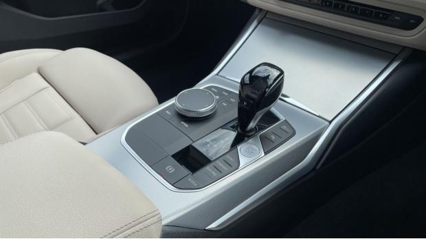 2021 BMW 320d M Sport Saloon (Black) - Image: 10