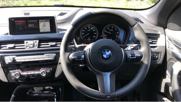 2021 BMW XDrive18d M Sport (Blue) - Image: 5