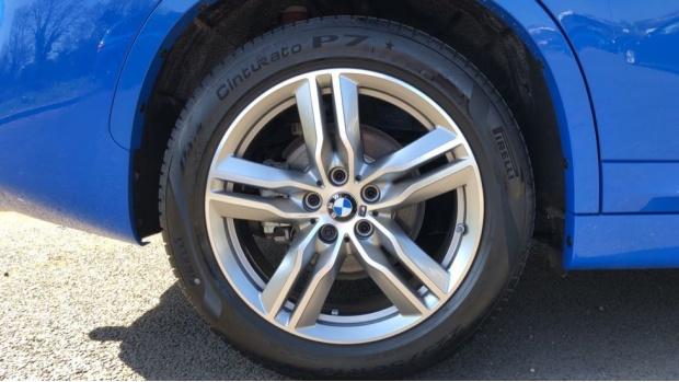 2021 BMW XDrive18d M Sport (Blue) - Image: 14