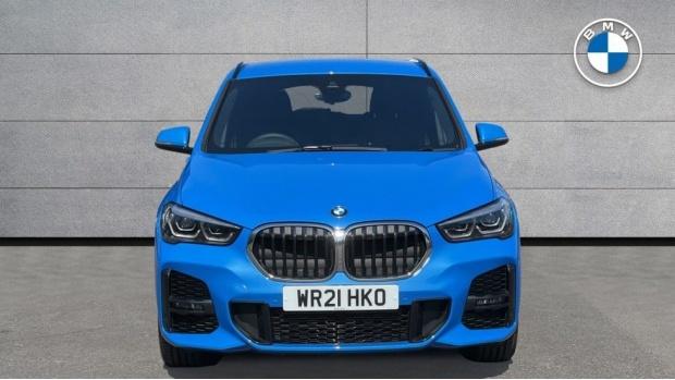 2021 BMW XDrive18d M Sport (Blue) - Image: 16