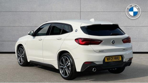 2021 BMW XDrive25e M Sport (White) - Image: 2