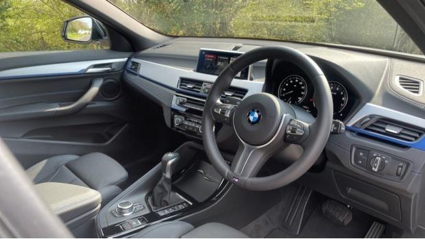 2021 BMW XDrive25e M Sport (White) - Image: 6
