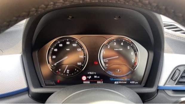2021 BMW XDrive25e M Sport (White) - Image: 9
